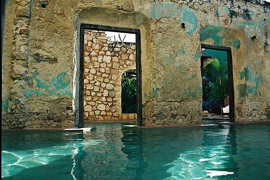 doors in the swimmingpool by julie08