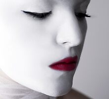 foreign beauty by Strobist