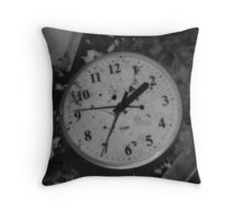 Whats the time? Throw Pillow