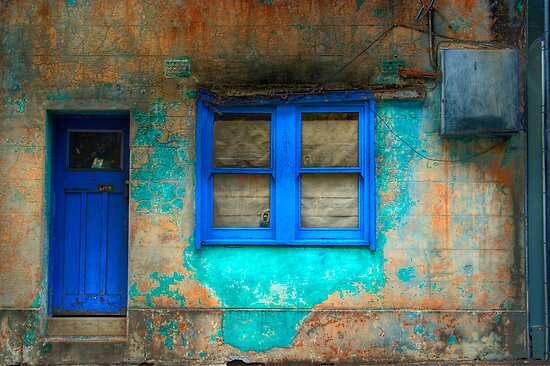 Derelict in Blue - Darlinghurst, Sydney, Australia by Mark Richards