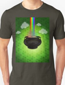 Old big pot with golden coins T-Shirt
