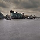 The Thames, 20,04. by Mark Hayward