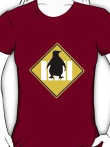 LINUX TUX PENGUIN CROSSING ROAD SIGN T-Shirt