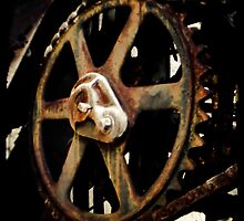 Giant Rusty Gear by HouseofSixCats