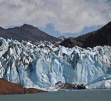 Glaciar viedma- Patagonia by David Chesluk