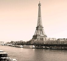 La Tour Eiffel - Icon of France by Fox2008