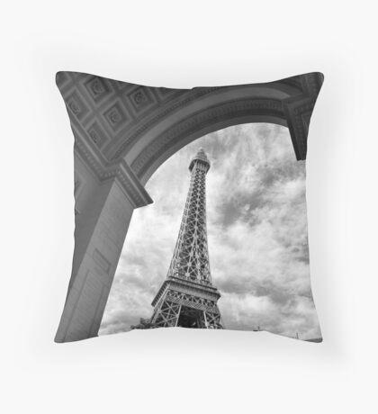 No. 3, La Tour Eiffel de Vegas Throw Pillow