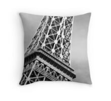 No. 5, La Tour Eiffel de Vegas Throw Pillow