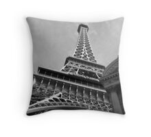 No. 12, La Tour Eiffel de Vegas Throw Pillow