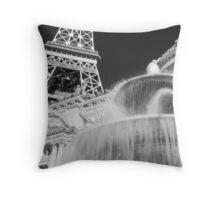 No. 20, La Tour Eiffel de Vegas Throw Pillow