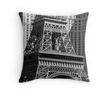 No. 21, La Tour Eiffel de Vegas Throw Pillow