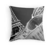 No. 23, La Tour Eiffel de Vegas Throw Pillow