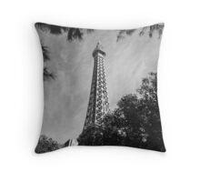 No. 33, La Tour Eiffel de Vegas Throw Pillow