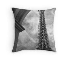 No. 34, La Tour Eiffel de Vegas Throw Pillow