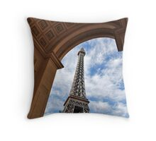 No. 37, La Tour Eiffel de Vegas Throw Pillow