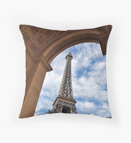 No. 37, La Tour Eiffel de Vegas Throw Pillow
