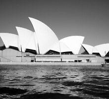 Opera House BW by sashawood