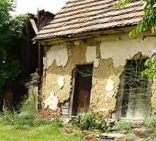 Old house by jirkas