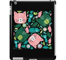 kittens in mittens iPad Case/Skin