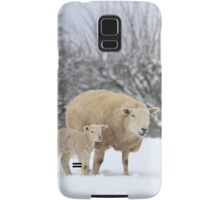 Mum and Baby in the snow Samsung Galaxy Case/Skin