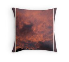 mammatus cloud at sunset Throw Pillow