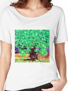 Fantasy oak tree with ravens Women's Relaxed Fit T-Shirt