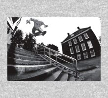 Hitmonlee Skateboarding by GilbertValenz