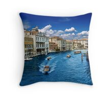 VeneziAzul Throw Pillow