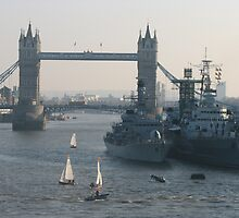 The Mighty Thames  by Cleburnus