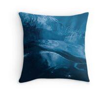 sleeping alien Throw Pillow