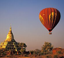 Hot-air Balloon Over the Shwesanda Temple, Bagan by Petr Svarc