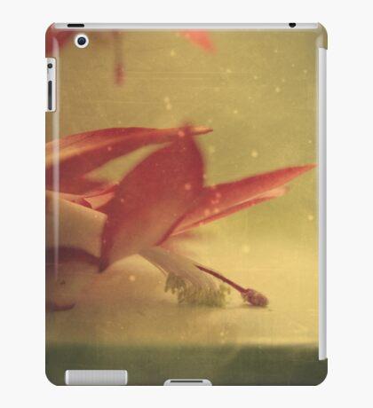 down butterfly iPad Case/Skin