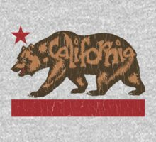 Fuzzy California Bear (vintage distressed look) Kids Tee