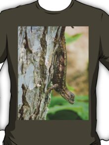 Lizard on a tree T-Shirt