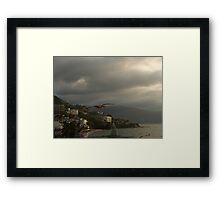 air traffic - tráfico aéreo Framed Print