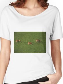 Deer in Bean Field Women's Relaxed Fit T-Shirt