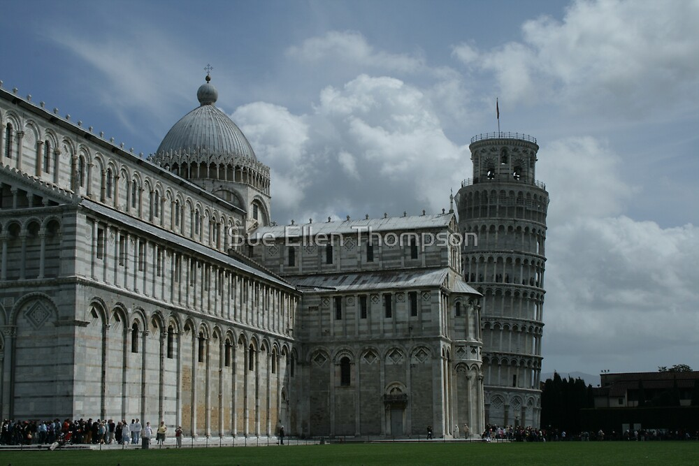 Pisa at a Glance by Sue Ellen Thompson