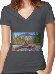 Relativity Women's Fitted V-Neck T-Shirt