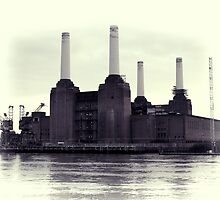 Battersea Power Station Vintage by Jasna