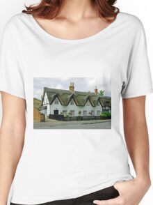 Thatched Cottages In Repton Women's Relaxed Fit T-Shirt
