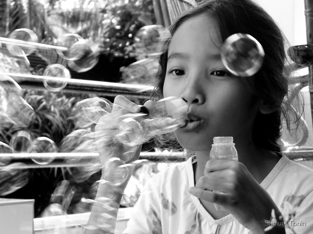 Bubbles by Samuel Tonin