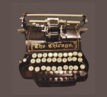 VINTAGE TYPEWRITER T-SHIRT by parko