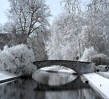 King's College Bridge (Infrared) by Vicky Hamilton