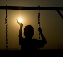 Look! I'm Holding The Sun!  by Qnita