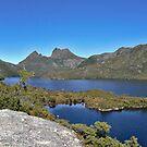 Cradle Mountain by Colin  Ewington