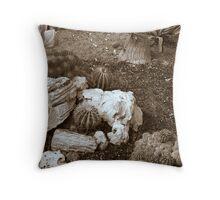 cactus 16 Throw Pillow