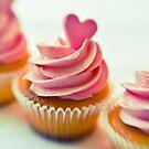 Pink cupcakes by BriGt