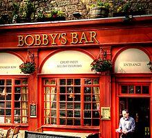Bobby's Waiter by Linda  Morrison