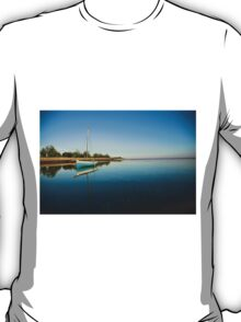 Blue dhow in paradise T-Shirt