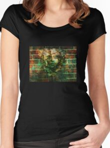 Rusty Face fountain Women's Fitted Scoop T-Shirt